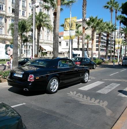 Lyxbilar längs La Croisette - Check!